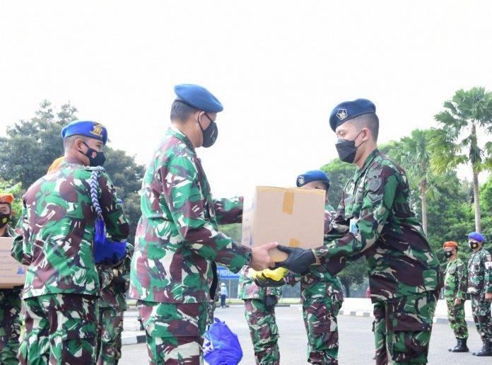 KSAU Bagikan 12.000 Paket Sembako Kepada Warga Mabesau
