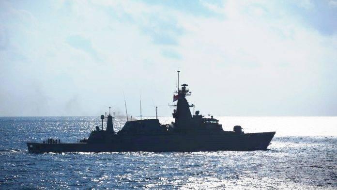 TNI AL Selamatkan Warga Negara Asing yang Terapung 8 Jam